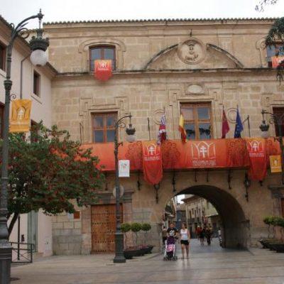 ayuntamiento-3-400x400 Qué ver en Caravaca de la Cruz